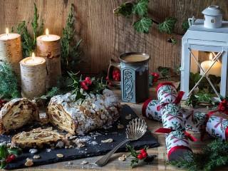 Собирать пазл Christmas cake онлайн