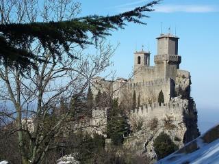 Собирать пазл San Marino онлайн