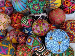 Собирать пазл Shari temari онлайн