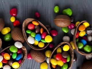 Собирать пазл Chocolate with surprise онлайн