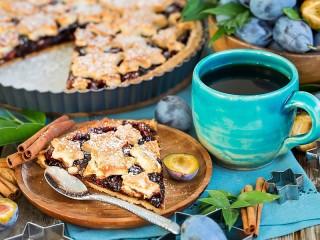Собирать пазл Plum cake онлайн