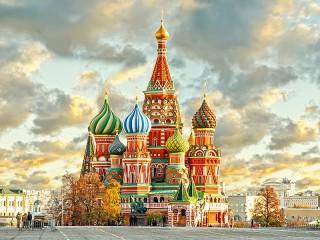 Собирать пазл Sobor Vasiliya Blazhen онлайн