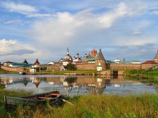 Собирать пазл Solovetskiy monastir онлайн