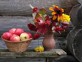Собирать пазл Flowers and apples онлайн