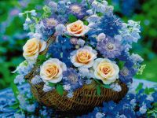 Собирать пазл Flowers in basket 1 онлайн