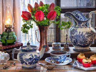 Собирать пазл Tulips and Gzhel онлайн