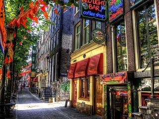 Собирать пазл Street in Amsterdam онлайн