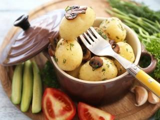 Собирать пазл Boiled potatoes онлайн