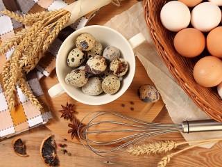 Собирать пазл Eggs and ears онлайн