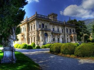 Собирать пазл Country estate онлайн