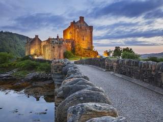 Собирать пазл The Eilean Donan Castle онлайн