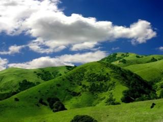 Собирать пазл Green Hills 1 онлайн