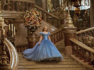 Собирать пазл Cinderella at the ball онлайн